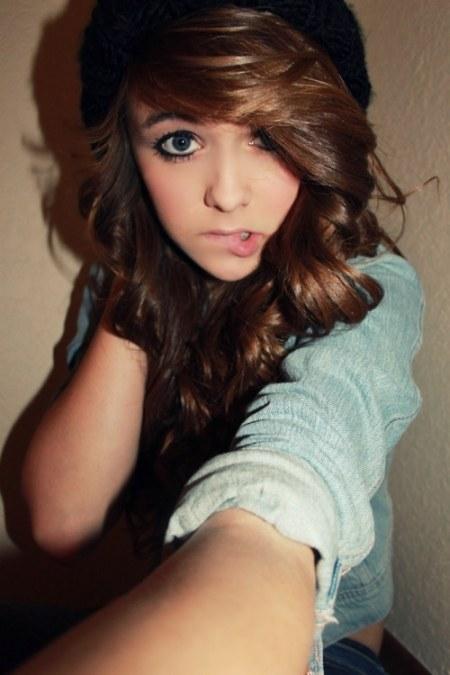 Acacia Brinley Clark | julianneyanzon